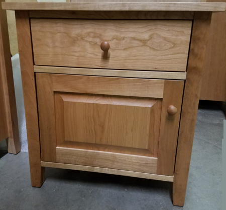 Picture of Shaker Large Night Stand w/one Drawer and Raised Panel door under